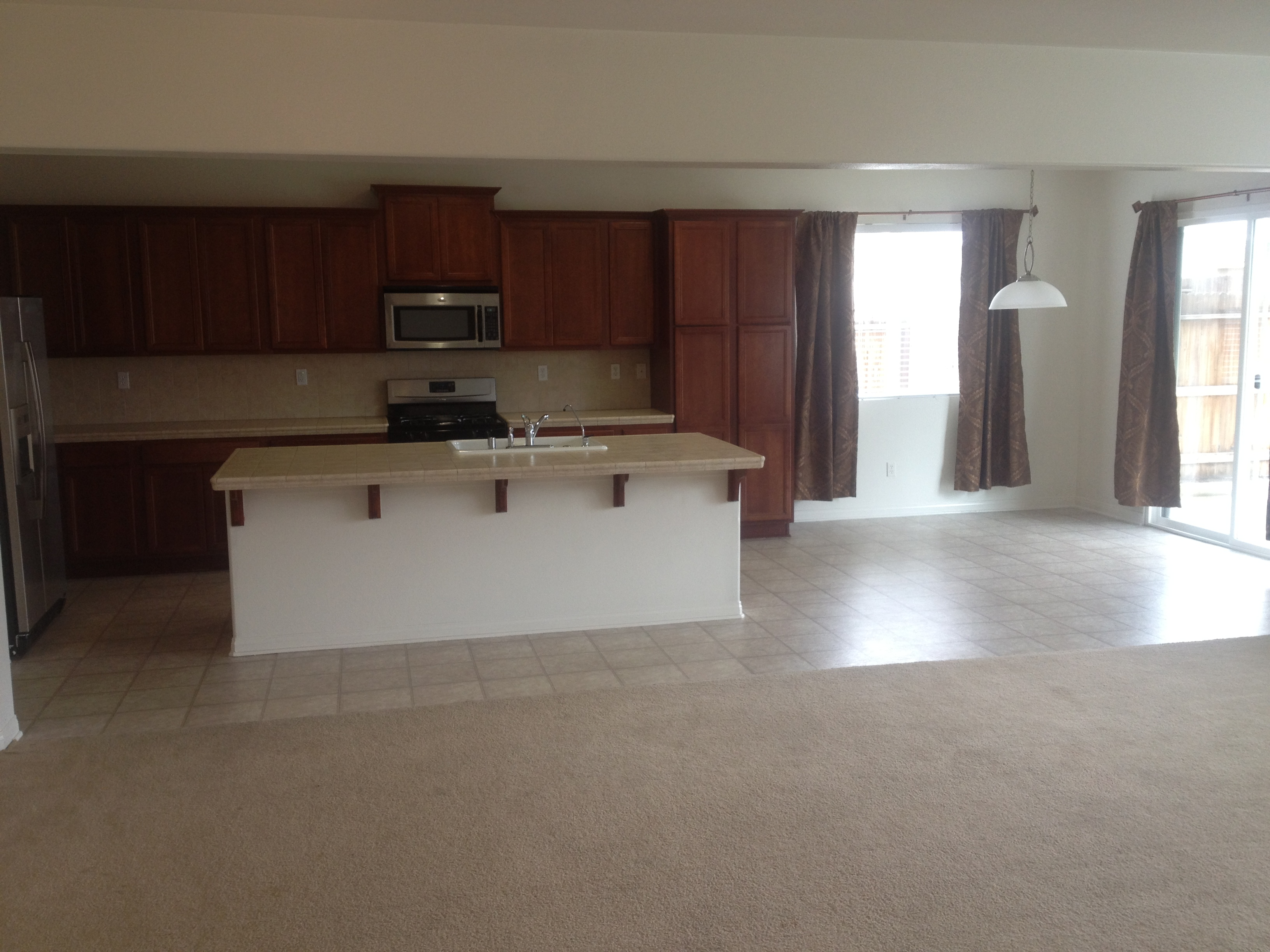 $1495 - 8016 boggs ct., bakersfield, ca 93313 southwest house for